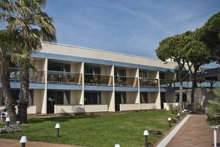 Hotel Amaraigua, Sala de alquiler Malgrat de Mar Carrer dels Pins #0