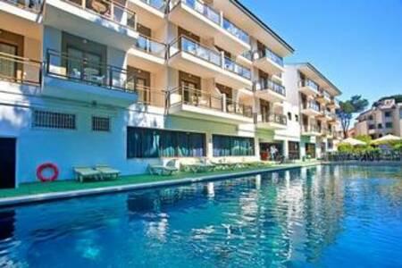 Aparthotel Blue Sea Cala Guya Mar, Sala de alquiler Cala Rajada Mallorca #0
