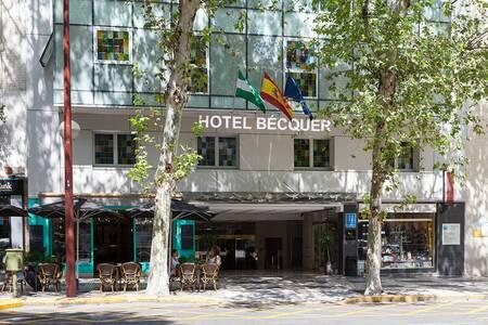 Hotel Bécquer, Sala de alquiler Sevilla Calle Reyes Católicos #0
