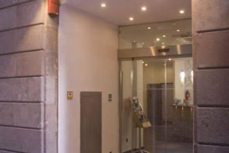 Hotel California, Sala de alquiler Barcelona Carrer d'en Rauric #0