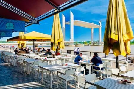 L'Austra, Bar Bordeaux Chartrons #0
