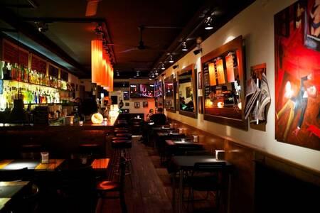 WOW, Bar Barcelona L'antiga Esquerra de l'Eixample #0