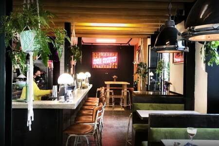 TWO SCHMUCKS, Bar Barcelona El Raval #0