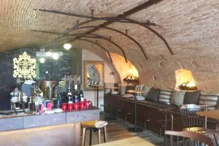 Nabulio, Bar Nice Carabacel #0