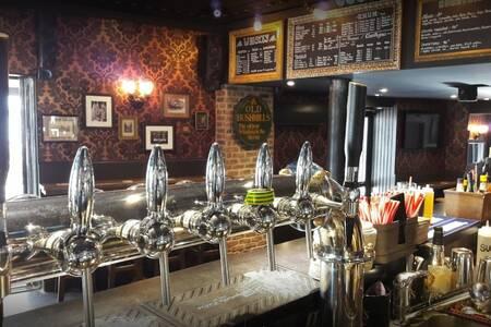 Barrel Pub, Bar Cannes Centre-Ville #0