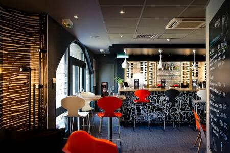 Ibis Kitchen Lounge, Bar Annecy Veille ville #0