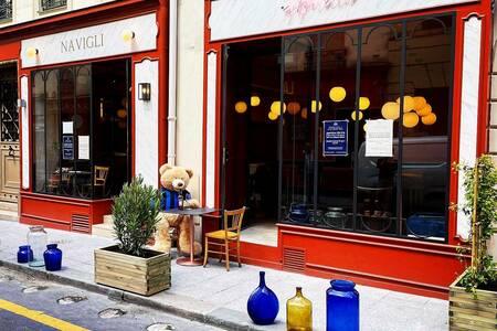 Navigli Aperitivo, Restaurant Paris Sentier #0