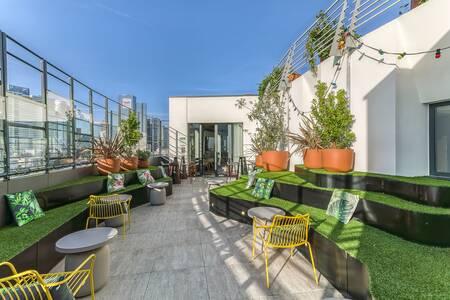Le XII - Rooftop Hotel Mercure Paris La Defense, Bar Courbevoie  #0