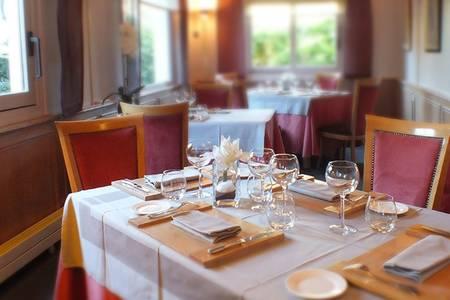 Le Maupertu, Restaurant Pontoise  #0