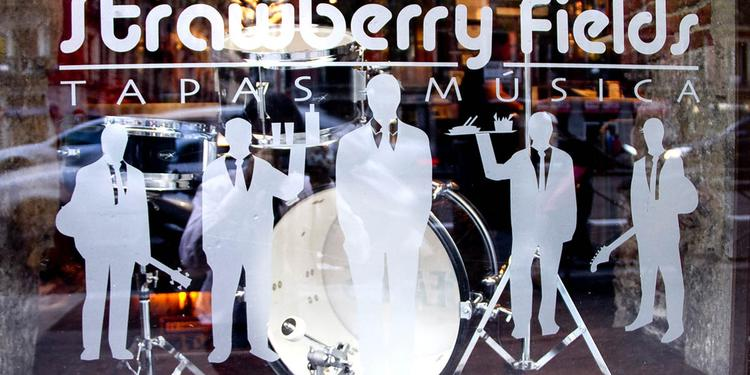 Strawberry Fields, Bar Madrid Chamberí #4