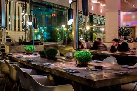 Lateral, Bar Madrid Paseo de la Castellana #0
