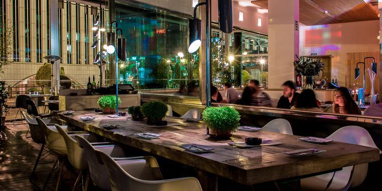 Lateral, Restaurante Madrid Paseo de la Castellana #0