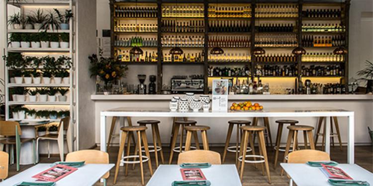 Lateral, Restaurante Madrid Paseo de la Castellana #1