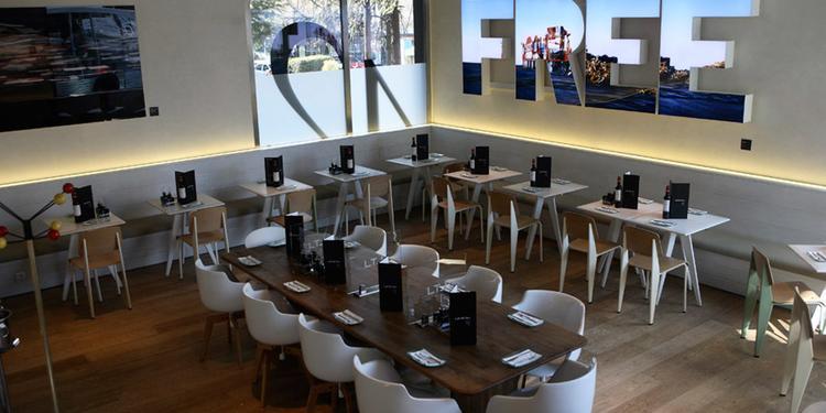 Lateral, Restaurante Madrid Paseo de la Castellana #2