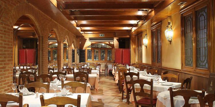 Fuente de la Fama, Bar Madrid Atocha #0