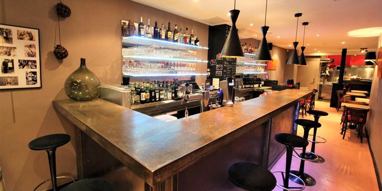 Le serment d'Hippolyte, Bar Paris Montmartre #0