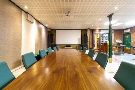 Cross Liner, Salle de location Paris Place de Clichy #0