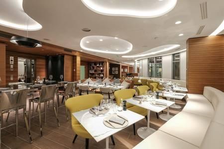 Renaissance Paris République : Restaurant Origin et Bar Martin, Restaurant Paris  #0