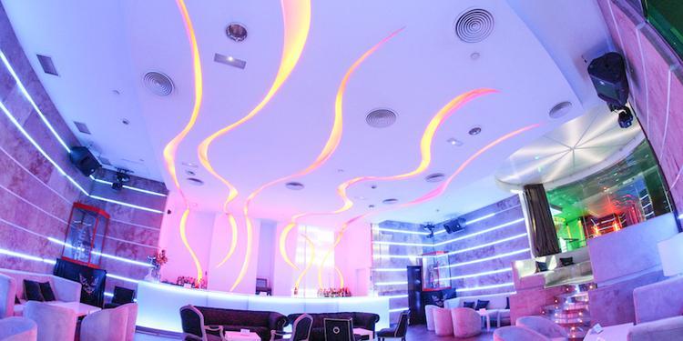 New Garamond, Sala de alquiler Madrid  #0