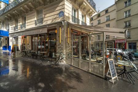 Inaro Cadet / Notre Dame de Lorette, Bar Paris Notre Dame de Lorette #0