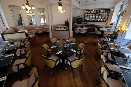 Neva Cuisine, Restaurant Paris l'Europe #0