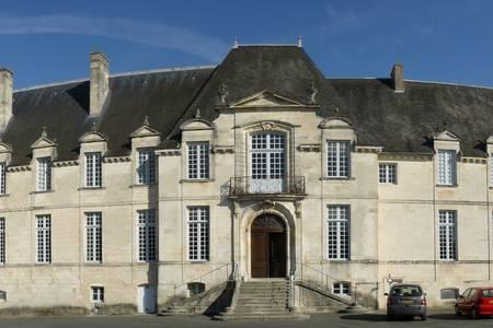 Abbaye Royale De Saint-Jean-D'Angely, Salle de location Saint-Jean-d'Angély  #0