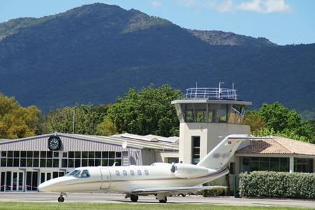 Aéroport Du Golfe De Saint-Tropez, Salle de location La Mole  #0
