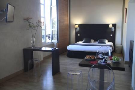 Appart'Hôtel Odalys Le Cheval Blanc, Salle de location Nîmes  #0