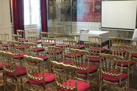 Best Western Hôtel Le Grand Monarque, Salle de location Chartres  #0