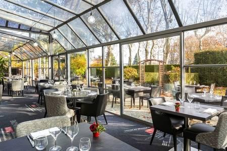 Best Western Paris Saint-Quentin, Salle de location Montigny-le-Bretonneux  #0