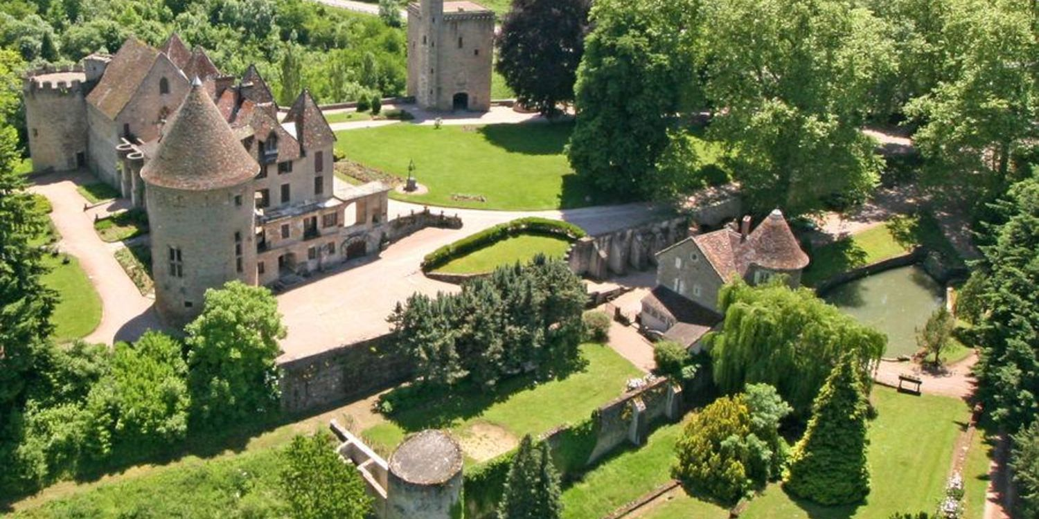 Chateau De La Borderie Benest chateau de la borderie | lieu à privatiser en ligne