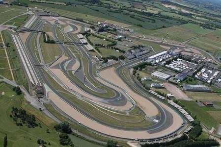 Circuit De Nevers Magny-Cours, Salle de location Saint-Parize-le-Châtel  #0