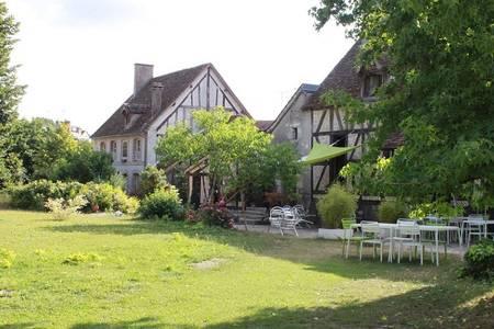 Ecuries De Saint-Cyr, Salle de location La Ferté-Saint-Cyr  #0