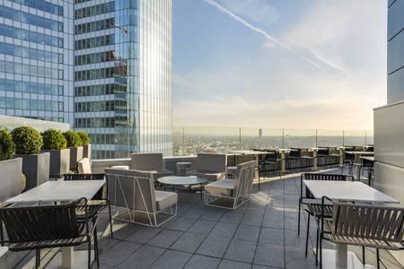 Hôtel Mélia : Le Skyline Paris Lounge & Bar, Salle de location Courbevoie La Défense La Défense #0