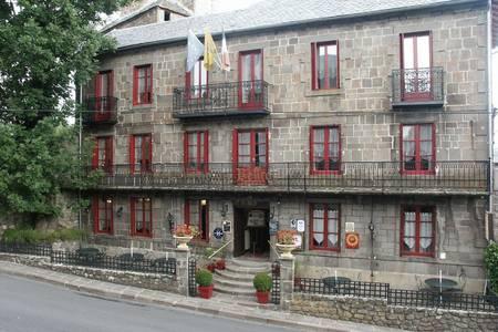 Hostellerie Du Beffroy, Salle de location Besse-et-Saint-Anastaise  #0