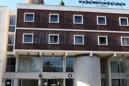 Hôtel Les Trois Roses, Salle de location Corenc  #0