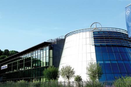 Mercedes-Benz Center, Salle de location Rueil-Malmaison  #0