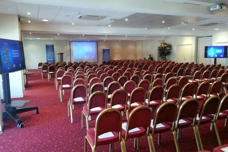 Mercure Lyon L'Isle D'Abeau, Salle de location Villefontaine  #0