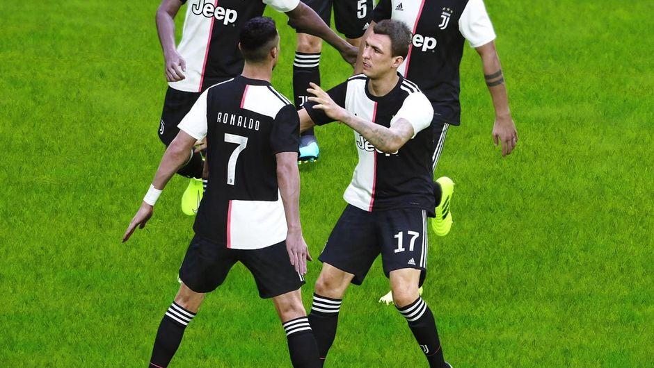 Cristiano Ronaldo celebrating a goal in eFootball PES 2020.