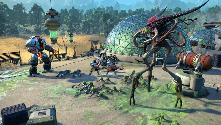 Futuristic mechs are fighting giant alien squid wannabes