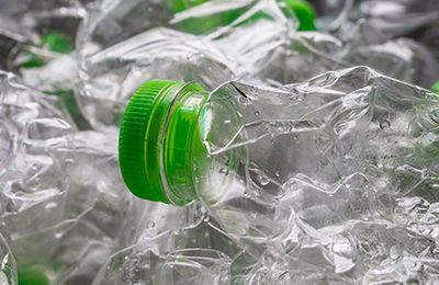 What are supermarkets doing about plastic?