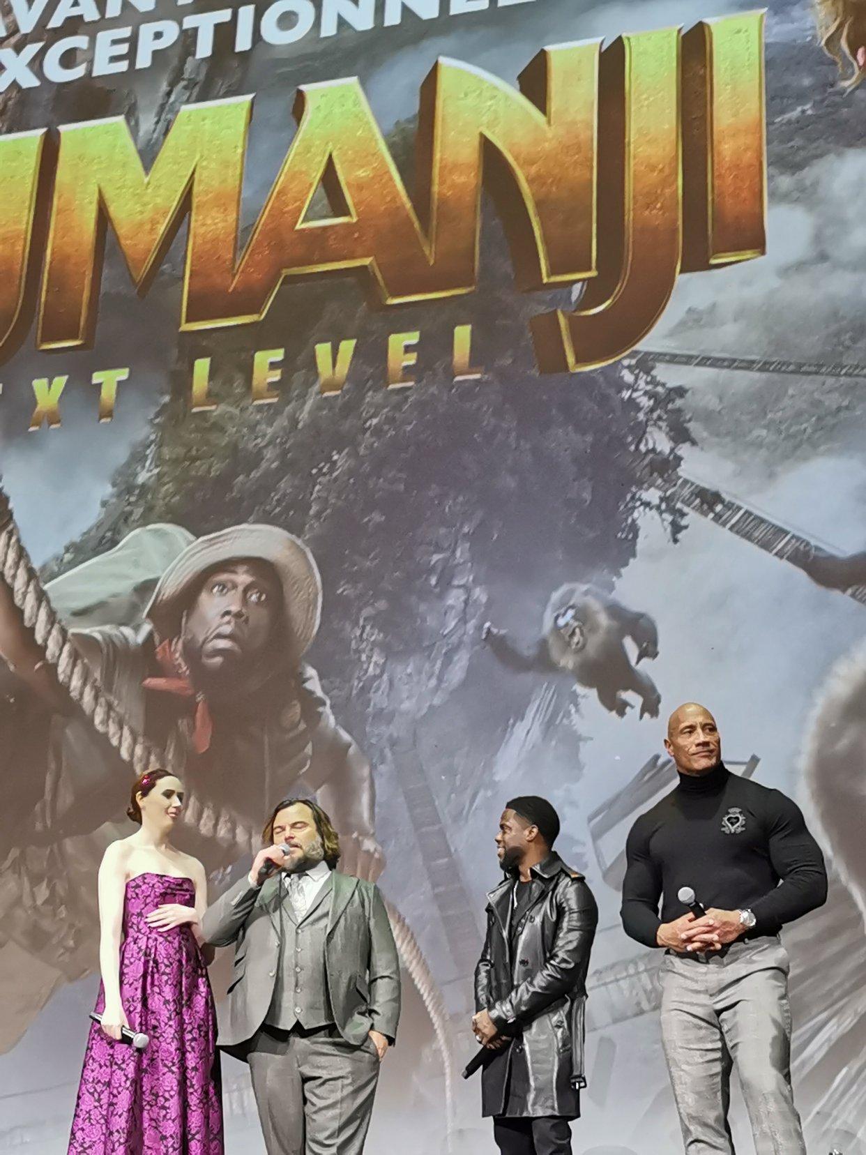 Jumanji全球首映 和巨石强森握手啦❤️