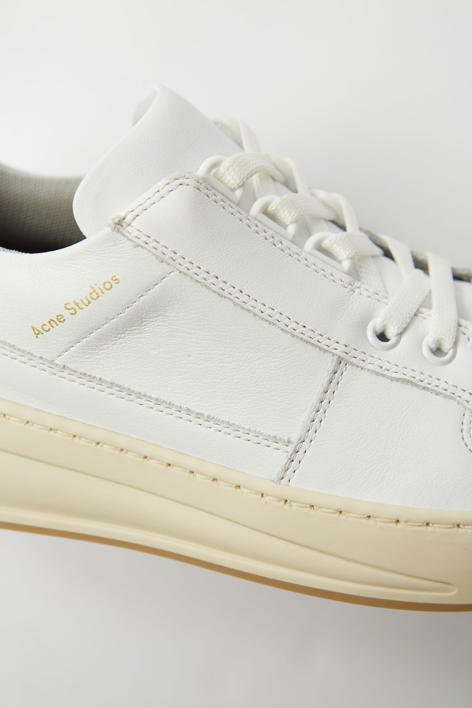 ACNE小白鞋 #男生到底喜欢什么