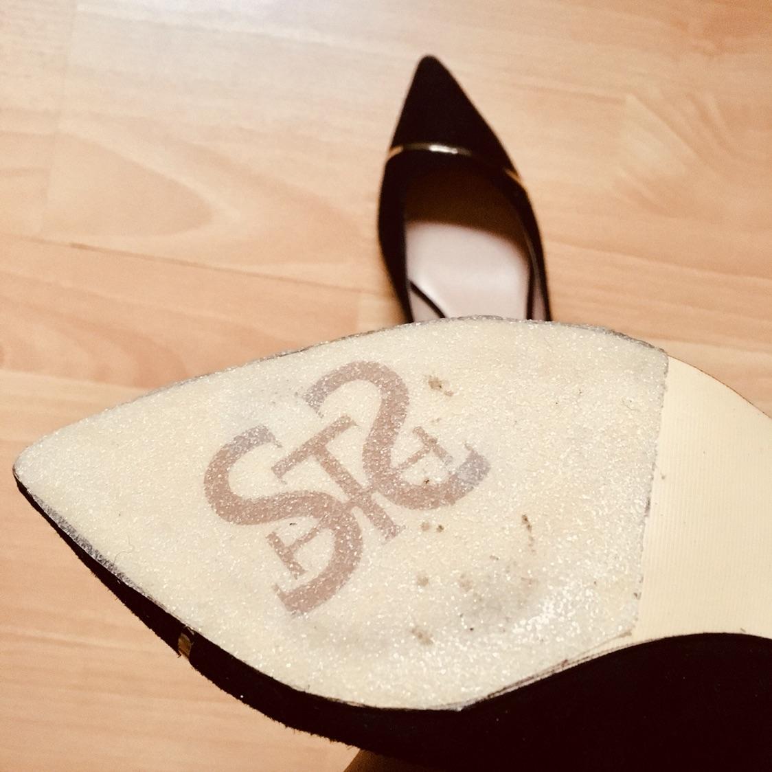 高跟鞋那么贵,贴个鞋底防滑贴能多穿两年哈哈