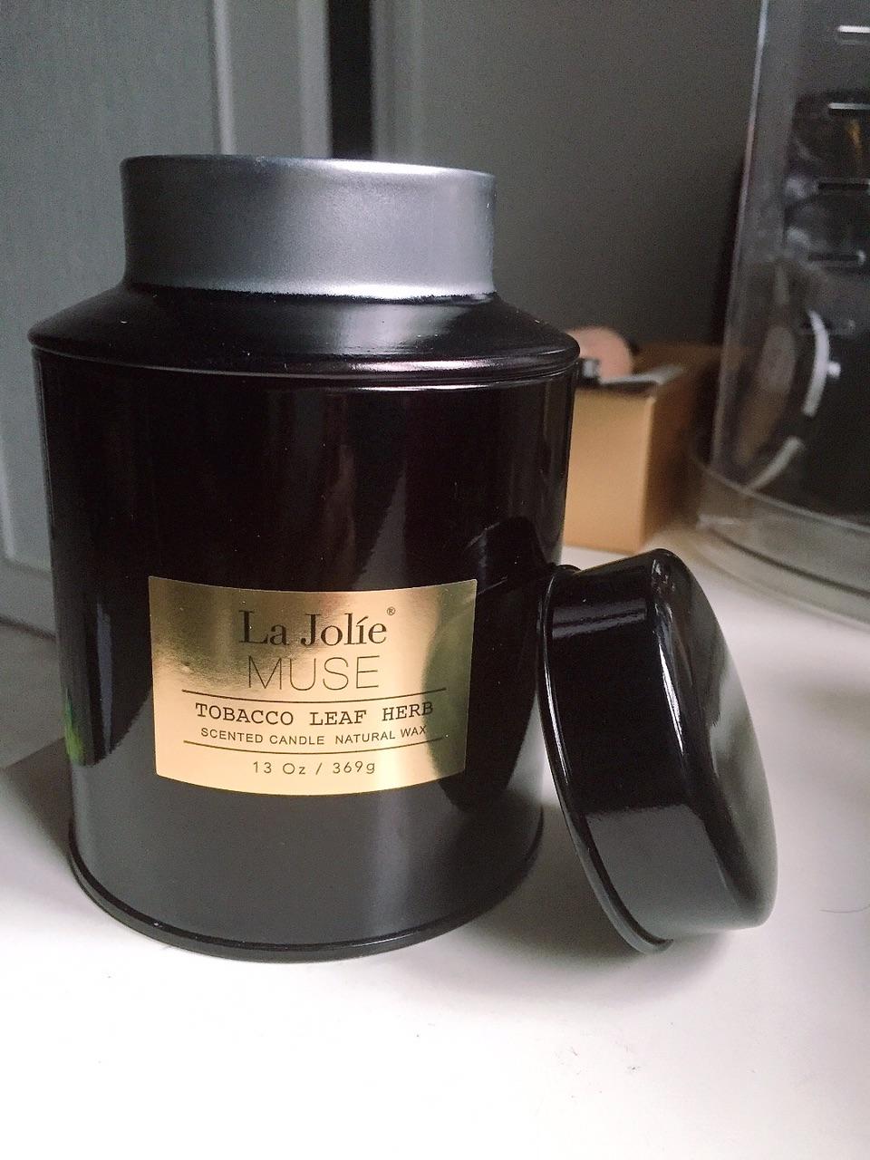 买了几个La Jolie Muse香薰蜡烛🕯️
