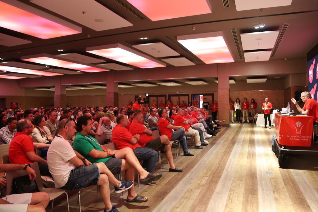 La Diada de lÀrbitre i lAuxiliar de Taula es consolida reunint un any més prop de 300 assistents
