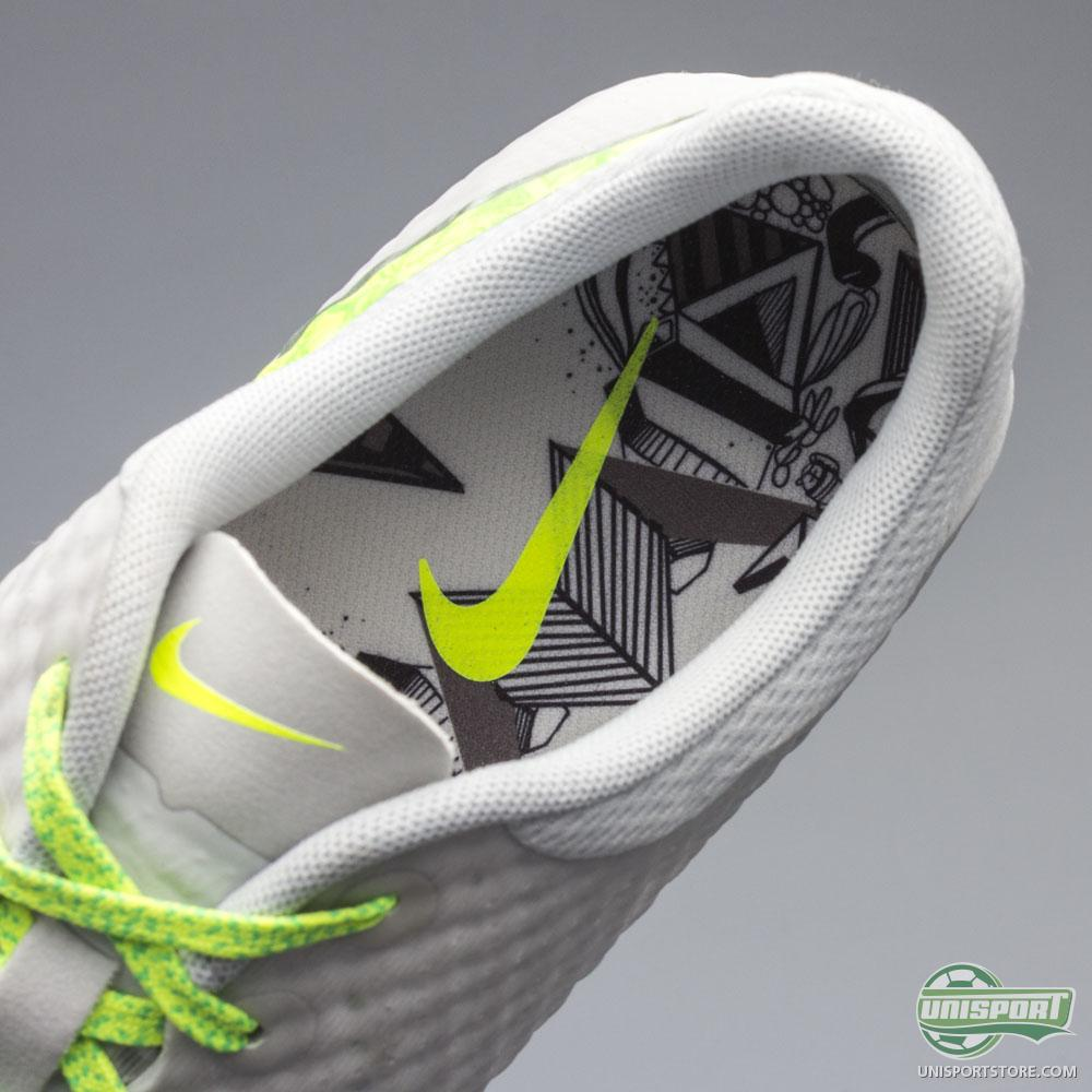 watch 11848 7718d Football Training Clothes, Boots and Equipment. Nike Store SE.