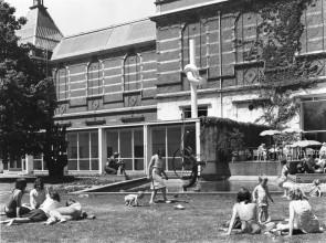 De beeldentuin van het Stedelijk Museum Amsterdam