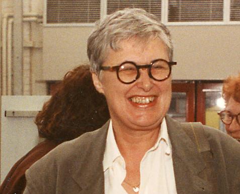 Rini Dippel bij haar afscheid van het Stedelijk Museum, 1993