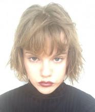 Portret: Elle
